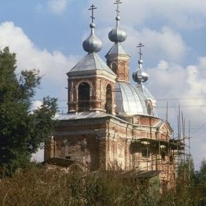 Pervye-shagi-vosstanovlenija-hrama-i-prihoda (1)