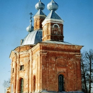 Pervye-shagi-vosstanovlenija-hrama-i-prihoda (8)