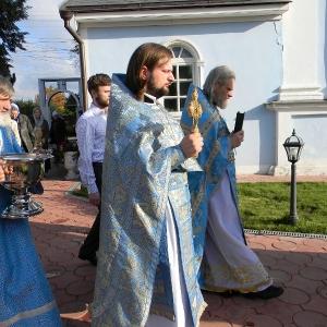 Rozhdestvo-Presvjatoj-Bogorodicy-2012-Prestolnyj-prazdnik-hrama (12)