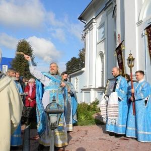Rozhdestvo-Presvjatoj-Bogorodicy-2012-Prestolnyj-prazdnik-hrama (14)