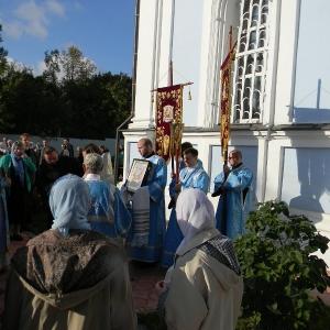 Rozhdestvo-Presvjatoj-Bogorodicy-2012-Prestolnyj-prazdnik-hrama (16)